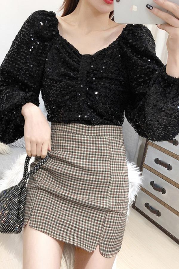 올블랙스팽글 시크 빅퍼프 여성 파티룩 탑 (블랙)